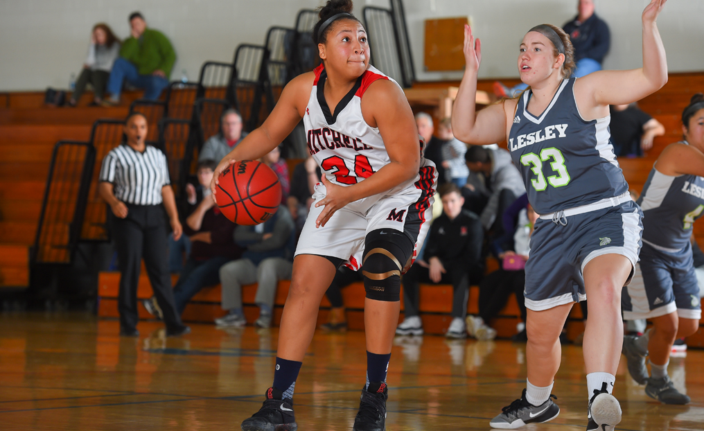 Strong Fourth Quarter Keys WBB's Win Over Elms