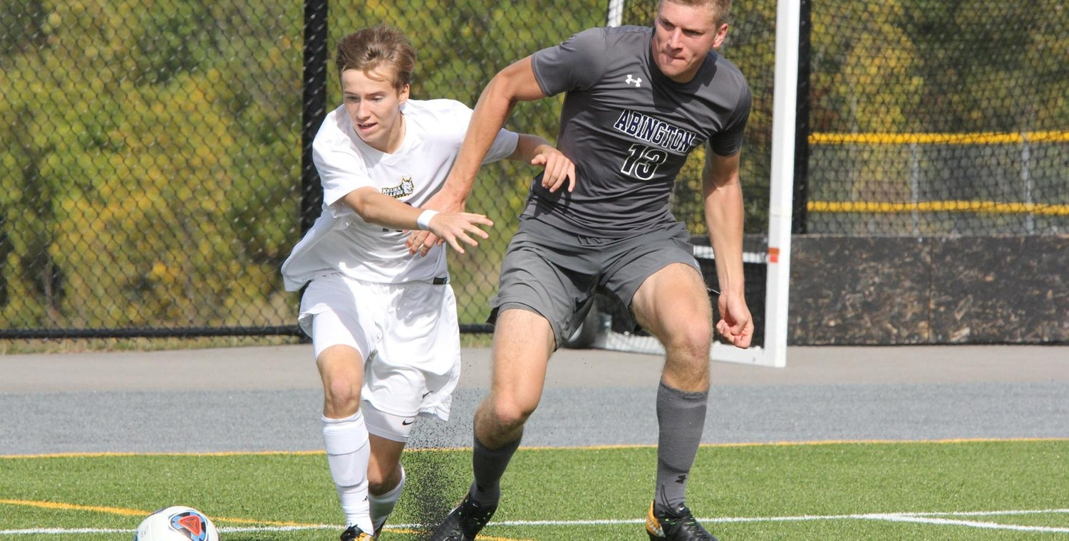 Jared Burns (19) led Keuka College with 4 shots on goal on Saturday