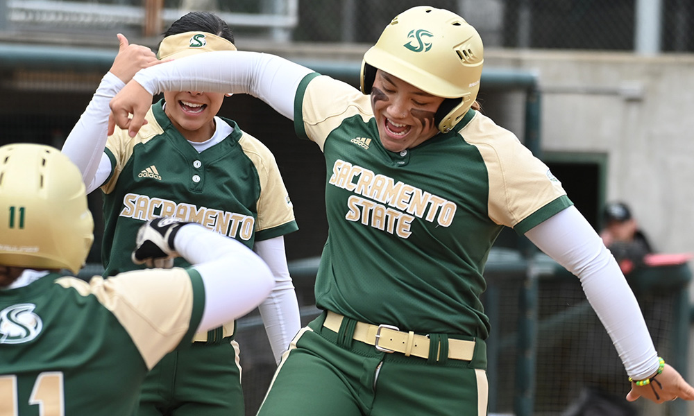 SOFTBALL SWEEPS HOME DOUBLEHEADER OVER LOYOLA MARYMOUNT