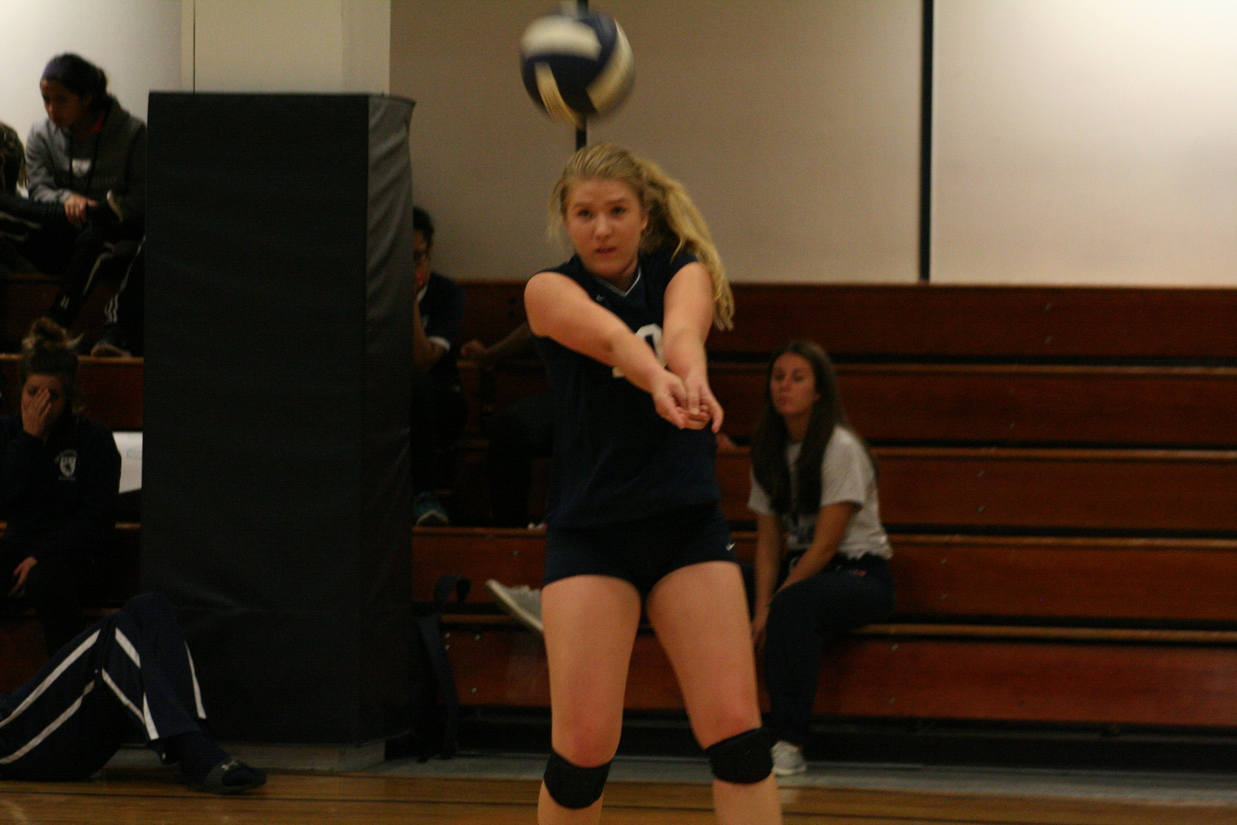 Volleyball Ends Season With a Win and Advances to HVIAC Playoffs