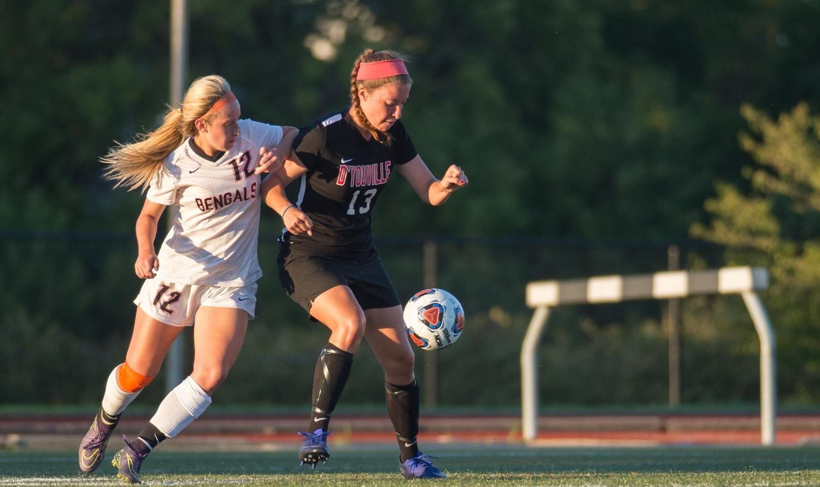 Women's Soccer Grabs First Win of Season with Shutout Performance