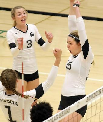 Women's Volleyball Nets 10th Straight AVCA Academic Award