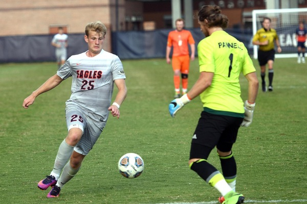 Eagles Reel in Lakers with 4-2 Home Victory