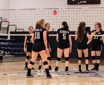 Volleyball Picks Up Win at Quad Match