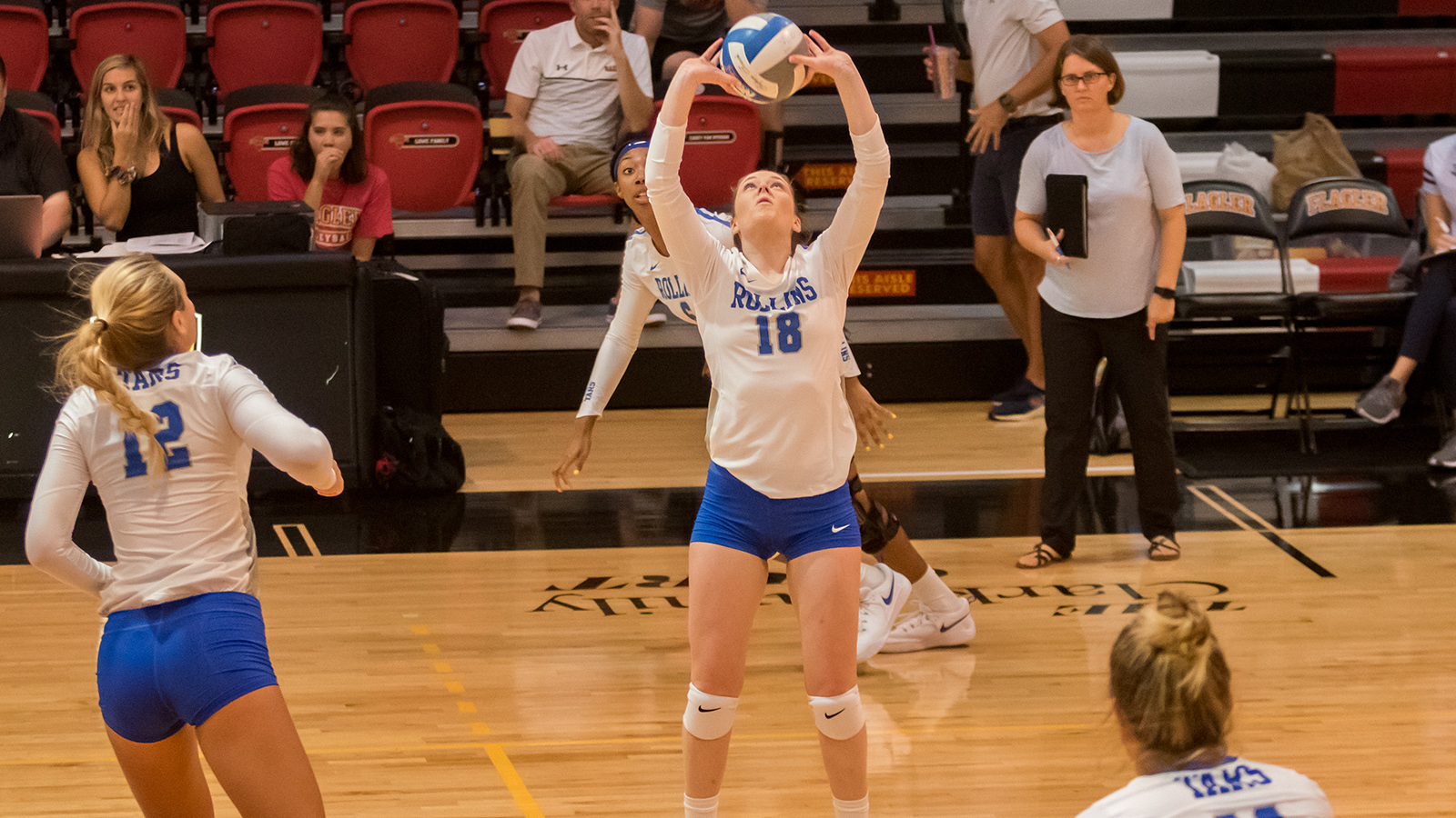 Tars Fall to Lady Bucs in Five Set Thriller