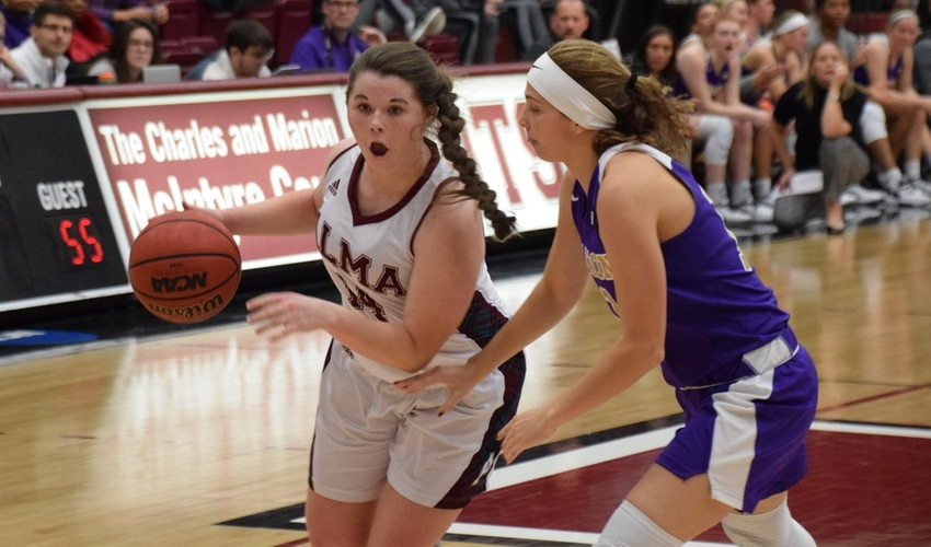 Women's Basketball Shuts Down Olivet