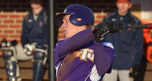 Golden Eagles walk-off against Illini, take weekend series 2-1