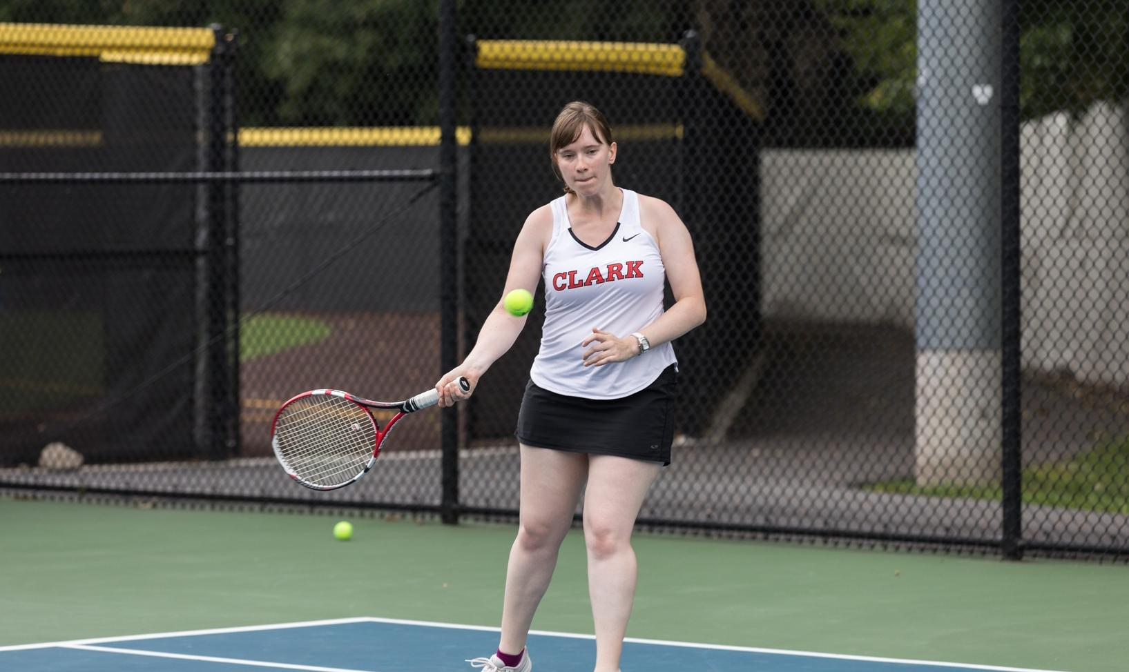 Women's Tennis Downs Lancers, 5-4