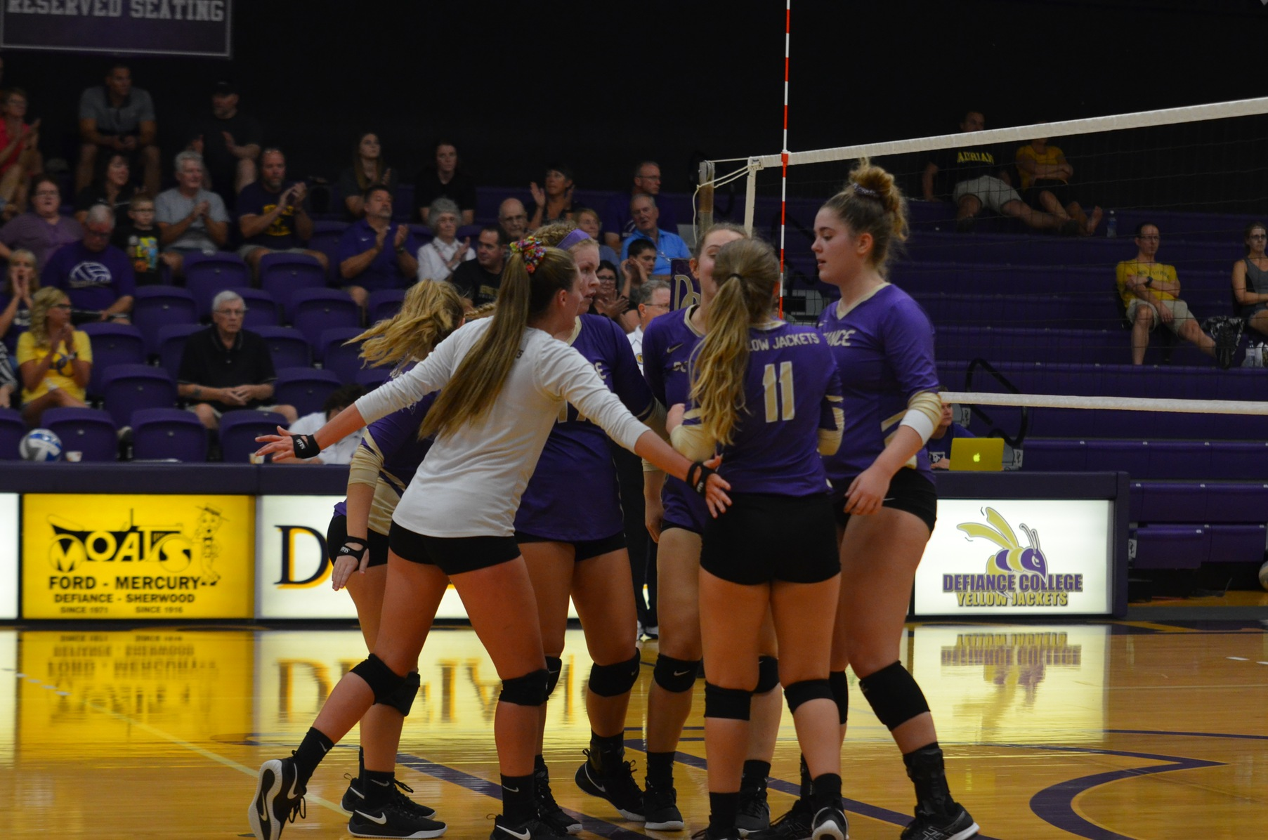 Volleyball Edged by Engineers in HCAC Play