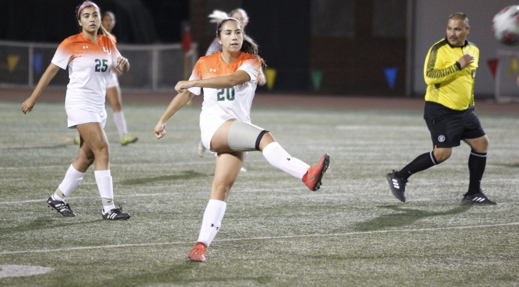 Cobian's Goal Pushes Leopards Past Bulldogs
