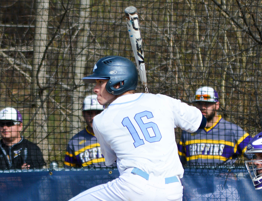 Baseball Closes Out Regular Season With Spalding Sweep
