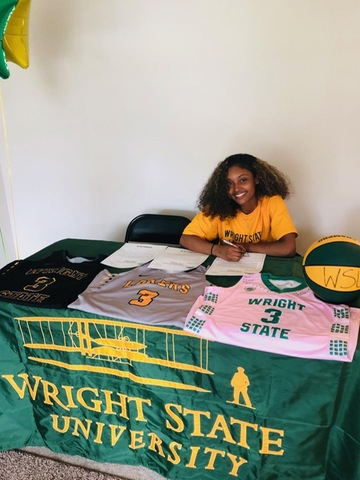 Lady Lakers Sign Point Guard from Lakeland C.C.