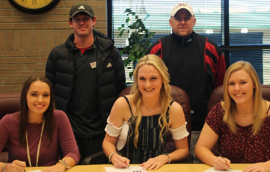 Three Holmes Lady Bulldogs sign with Belhaven