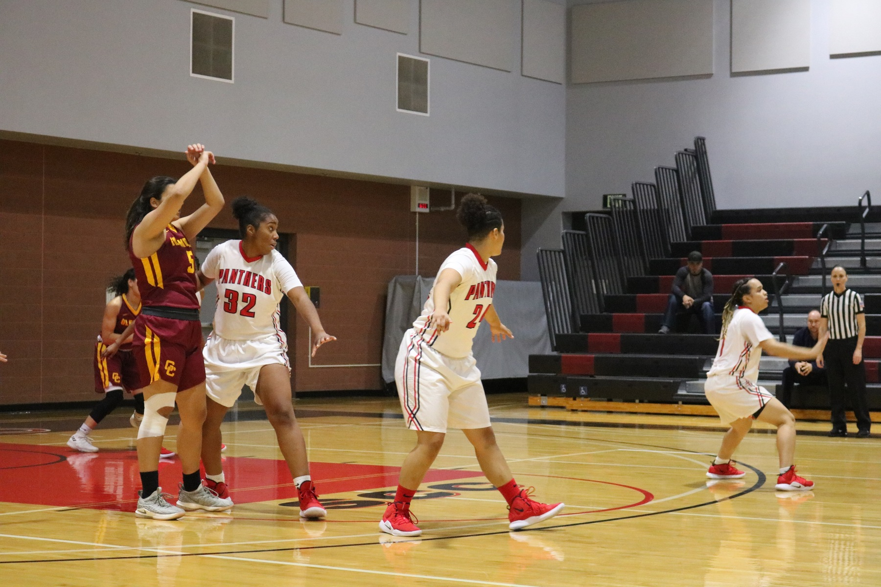 WOMEN'S BASKETBALL GAME VS GLENDALE