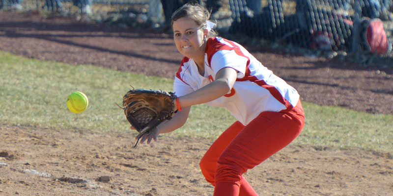 Comebacks fuel softball sweep of Dubuque