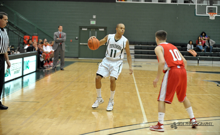 Jacobs Scores 21 First-Half Points to Lead Mustangs Past Lycoming, 82-76