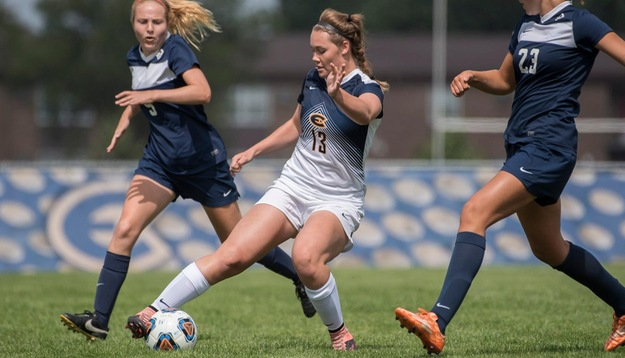 Blugolds draw with Spartans to end Parents' Weekend