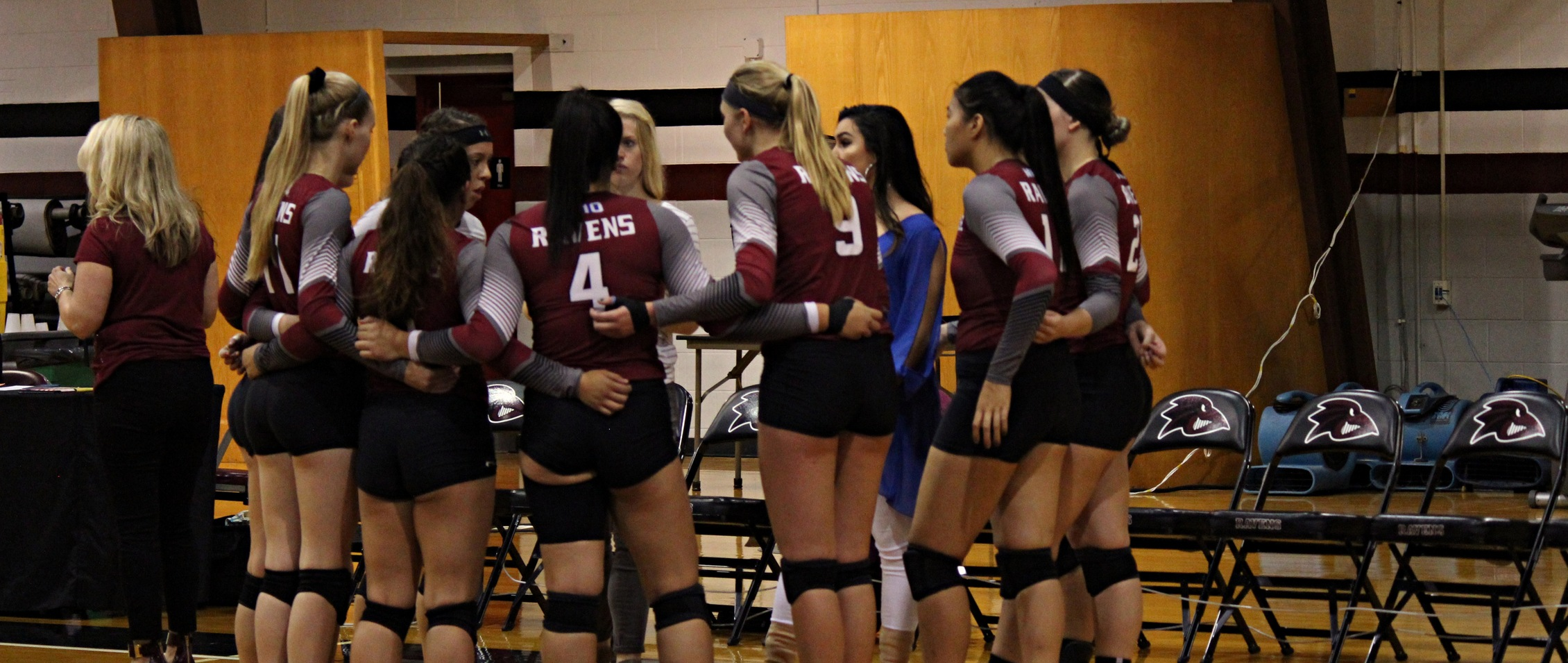 Volleyball Swarmed by Yellow Jackets 3-0
