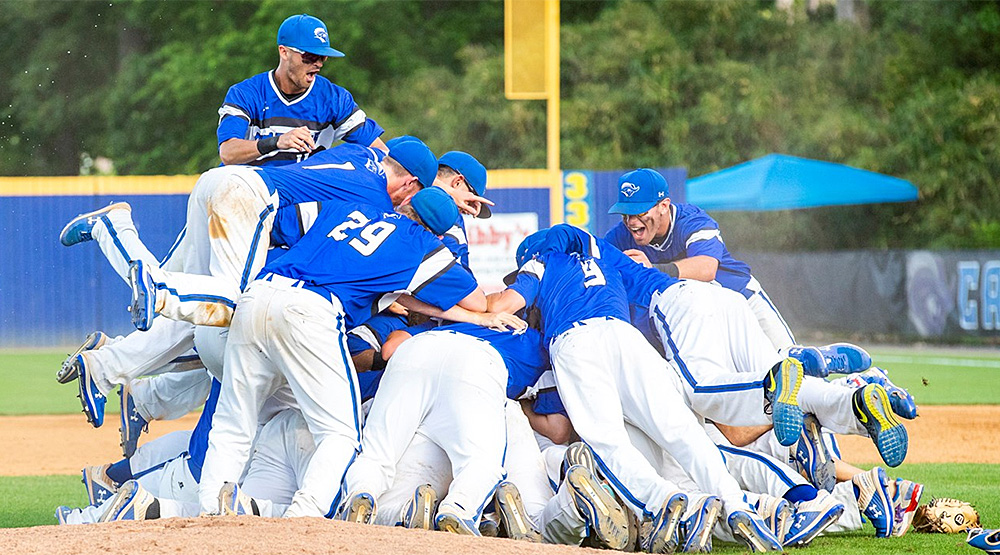 CNU doing the whole dogpile thing