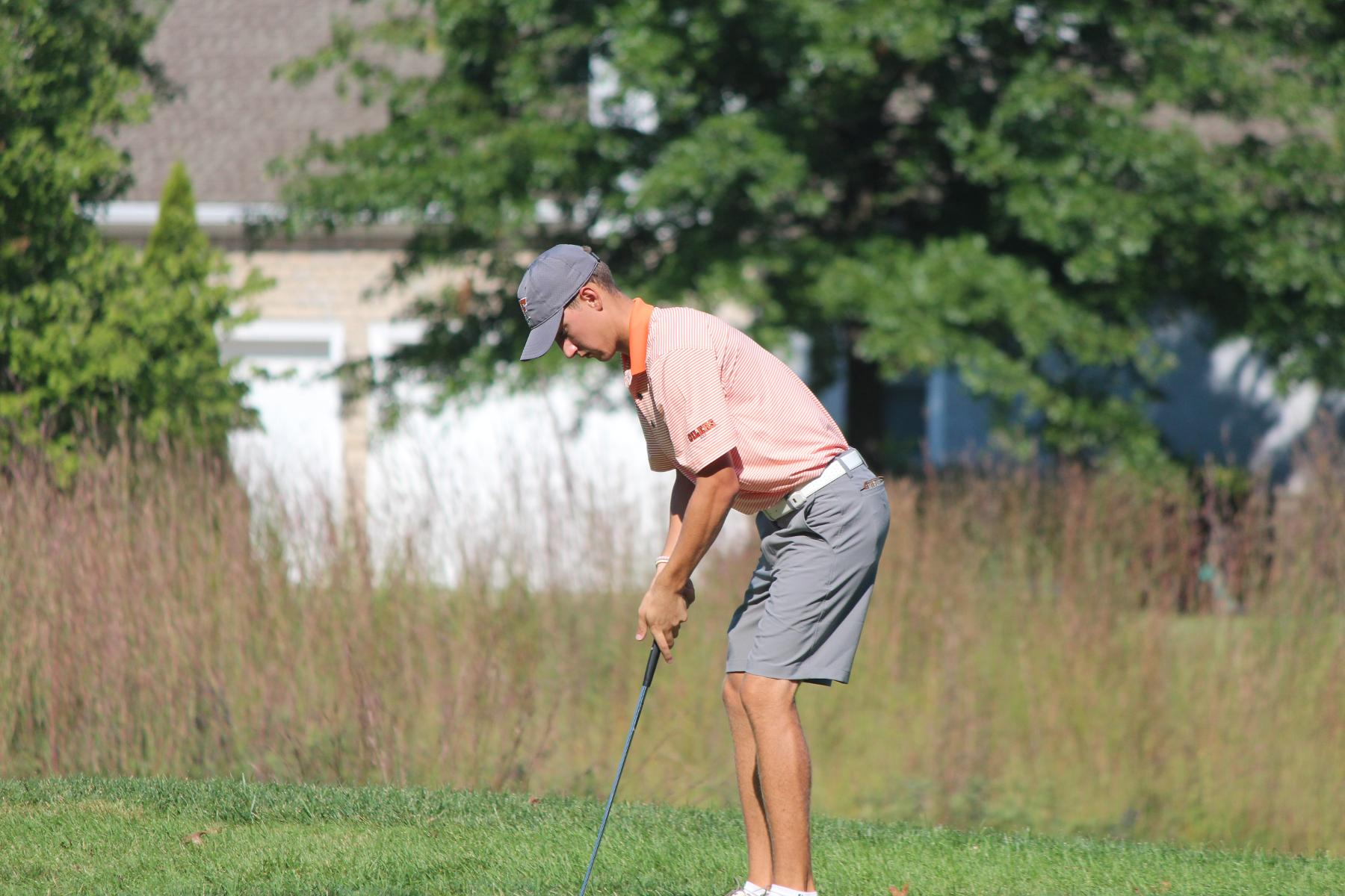 Kelly Leads Oilers on Day 1 of SVSU Invite