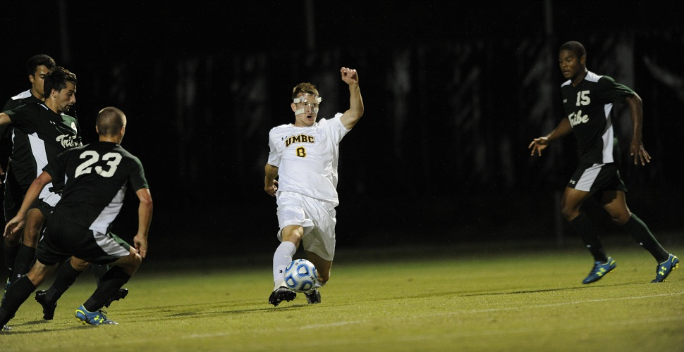 Men's Soccer Falls, 2-1, at Binghamton