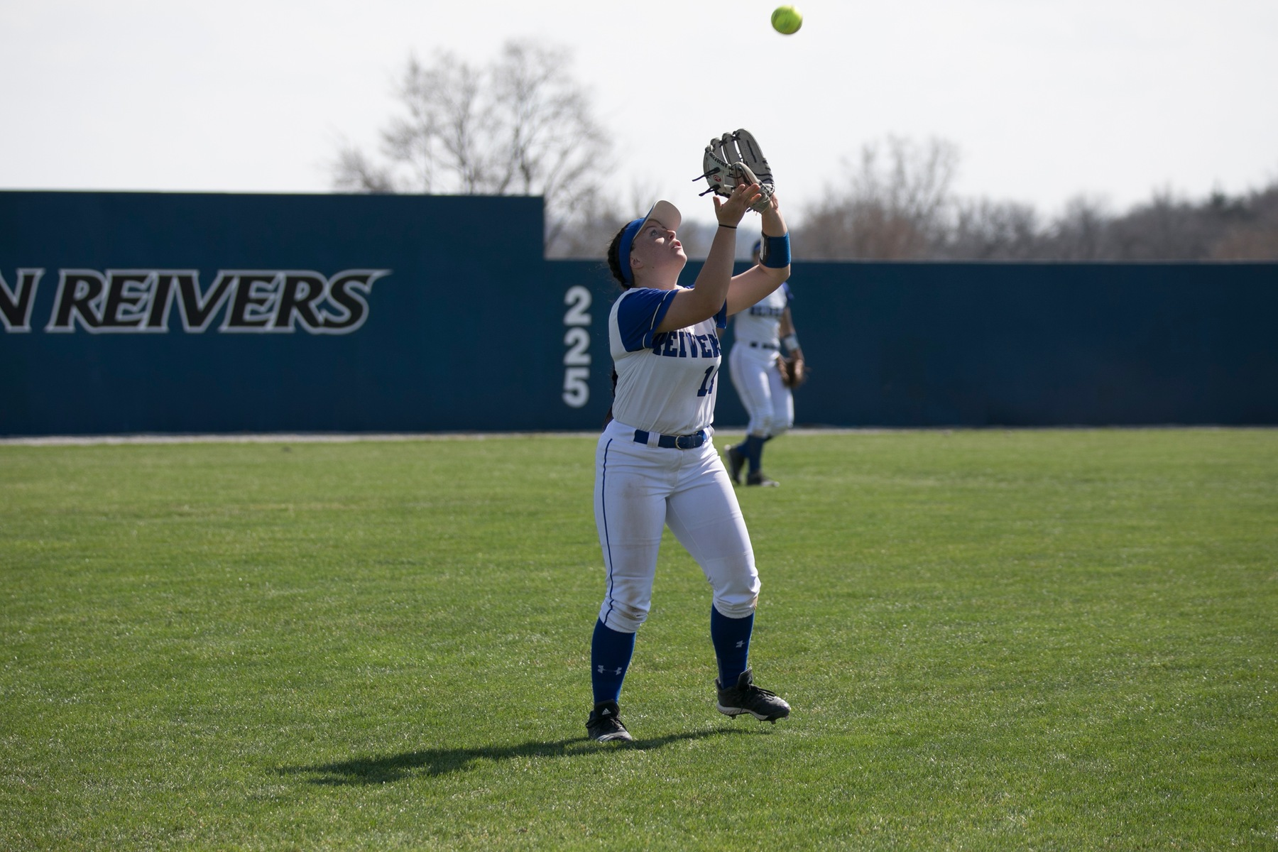 Softball gets sweep over Indian Hills