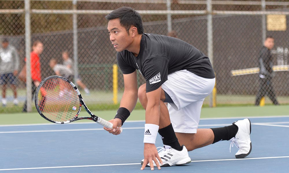 LEGASPI WINS AGAIN, BUT MEN'S TENNIS FALLS AT SANTA CLARA, 6-1