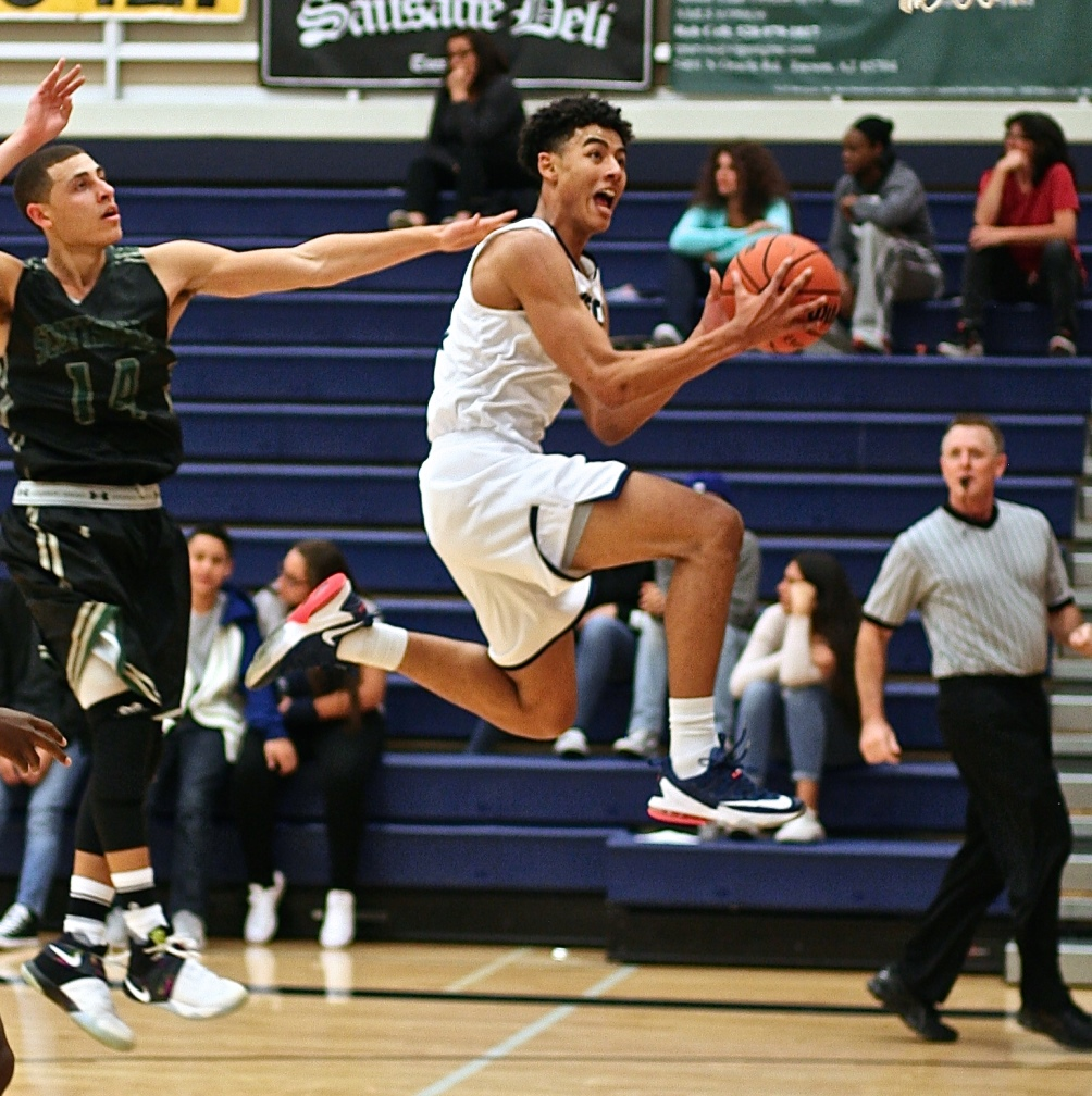 Freshman Isaiah Murphy (Cienega HS) scored 11 of his 13 points off the bench in the first half. He also finished with six rebounds and four assists in Pima's 81-75 loss in the NJCAA Division II Tournament quarterfinals. The Aztecs play Friday at 1:00 p.m. CDT; 11:00 a.m. (MST). Photo by Stephanie Van Latum.