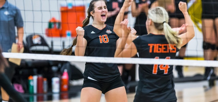 Tigers Beat Pomona-Pitzer in Five