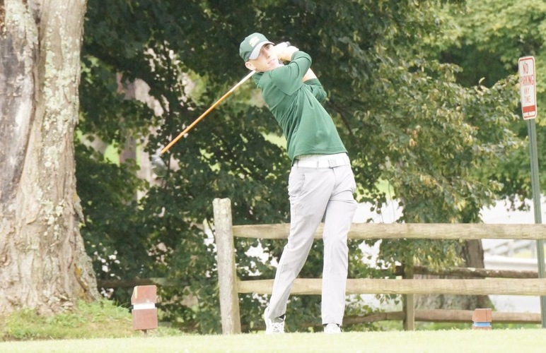 Men's Golf Erases One-Stroke First-Day Deficit for Win over Apprentice