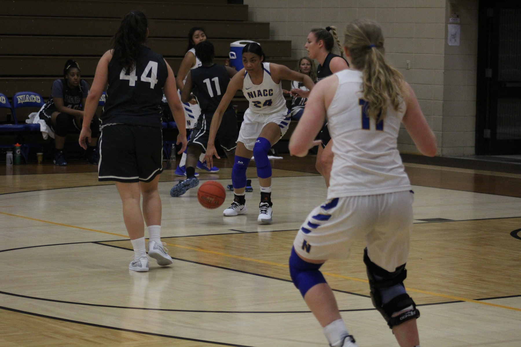 Sierra Morrow drives to the basket in Saturday's game against Marshalltown CC at the Konigsmark Klassic.