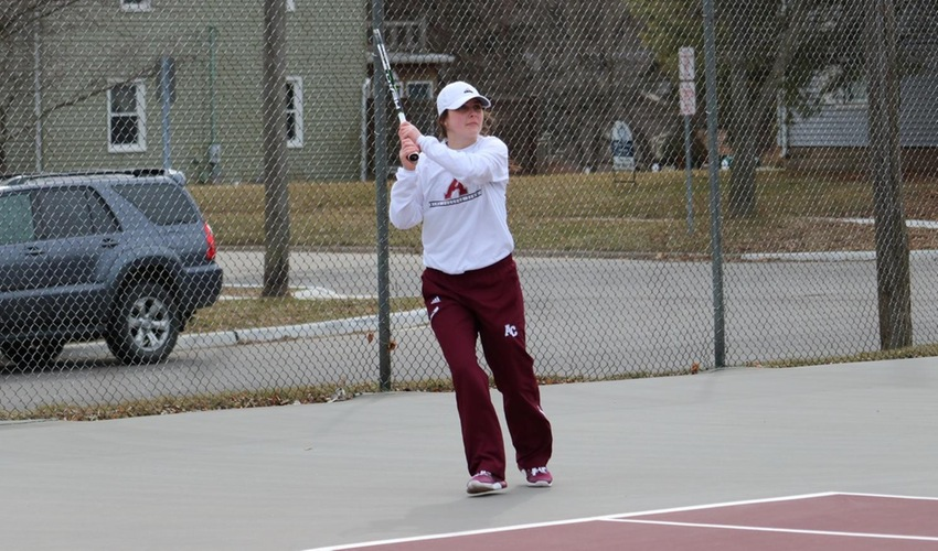Women's Tennis Comes From Behind to Defeat Franklin, 5-4