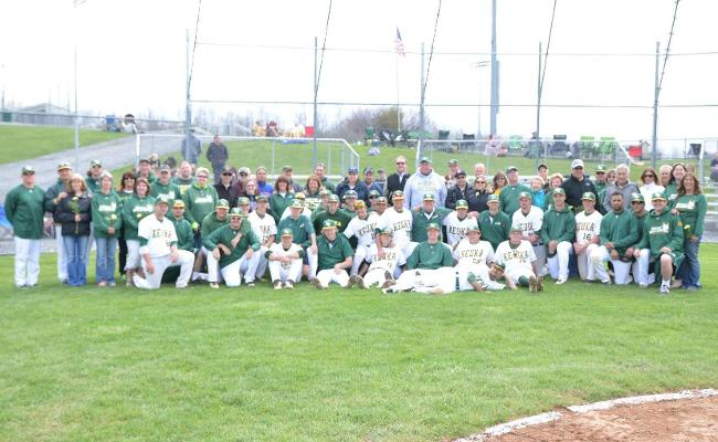 Baseball Sweeps Alfred State on Senior Day