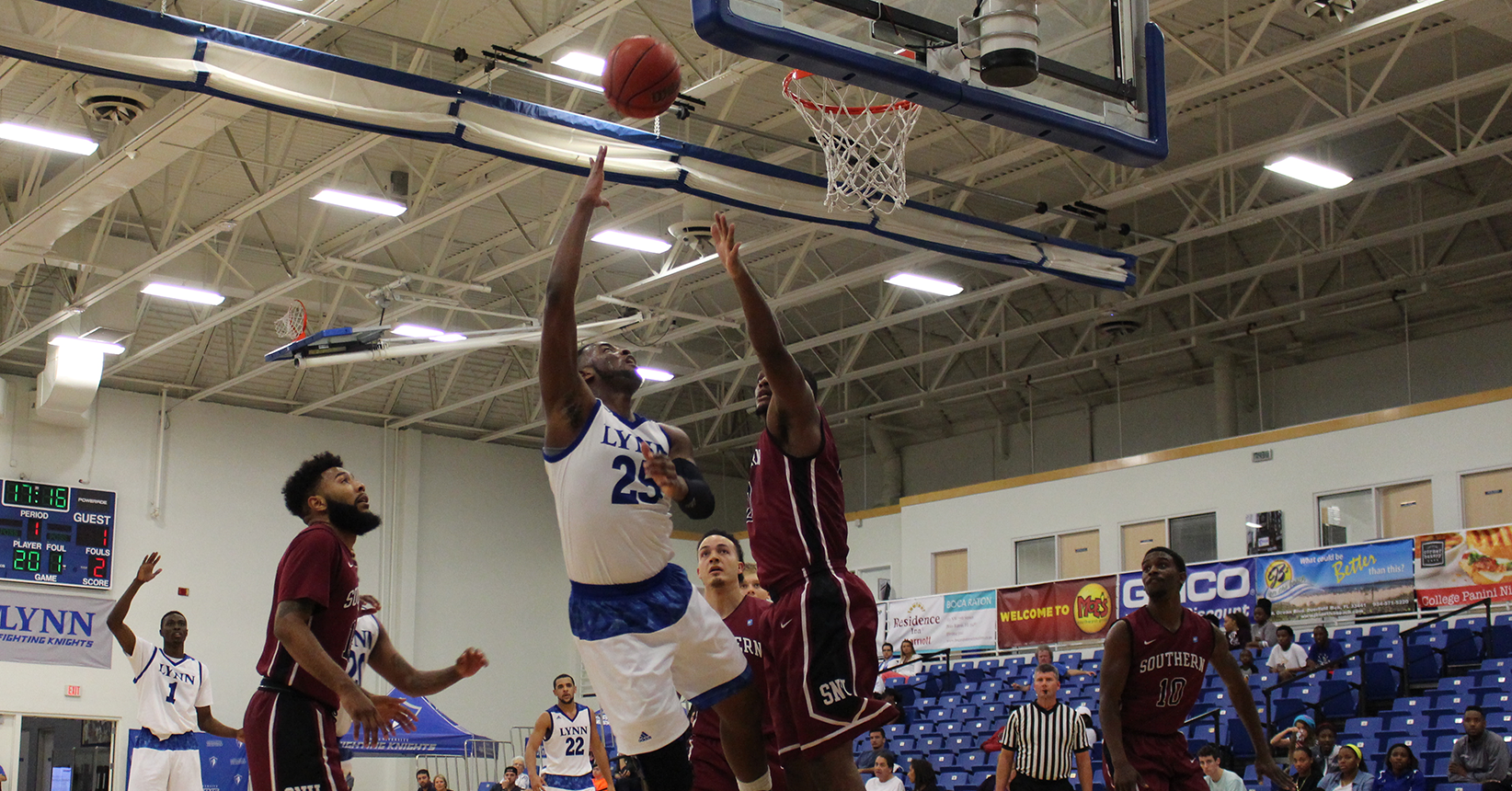 Landers Pours in 29, Men's Basketball Bounces Back with Win over Tampa