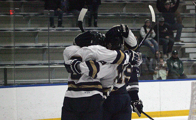Men's Hockey Ends Season on High Note