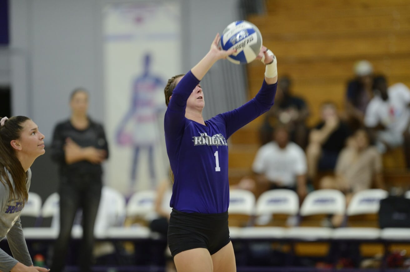 UB  Volleyball Remains Undefeated At Home With Straight Sets Victory Over Stonehill