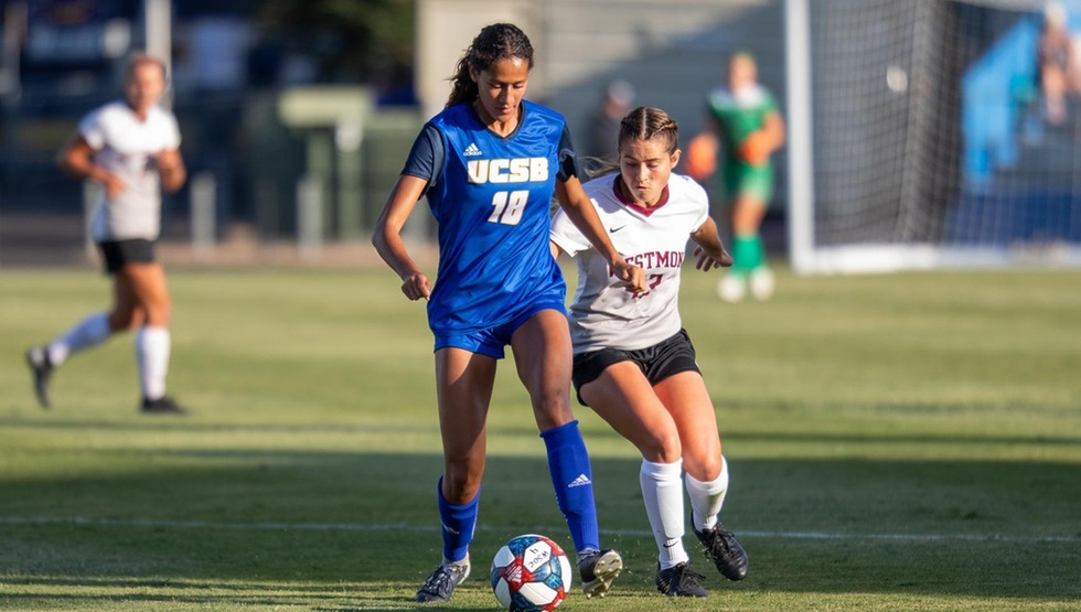 Jessica Wright scored in the 83rd minute to secure the draw for the Gauchos in their regular season opener with Minnesota on Thursday night. (Photo by Eric Isaacs)