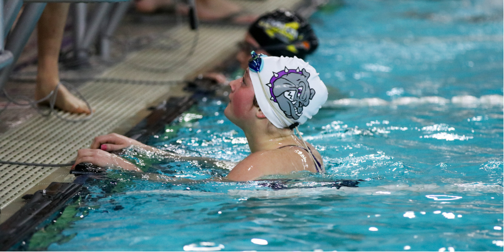 Girls Swim/Dive Falls to the Orioles
