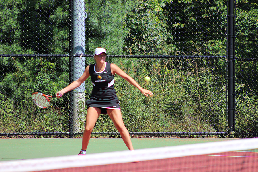Simmons Rallies Past Women's Tennis