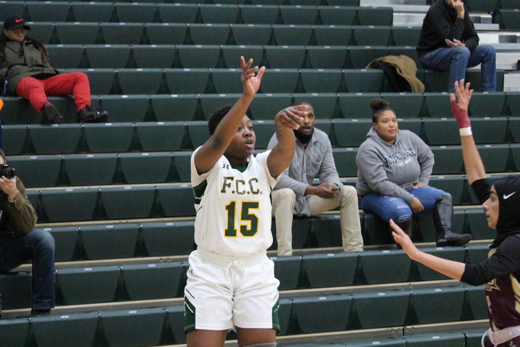 Women's Basketball Comes From Behind To Win Against Hawks