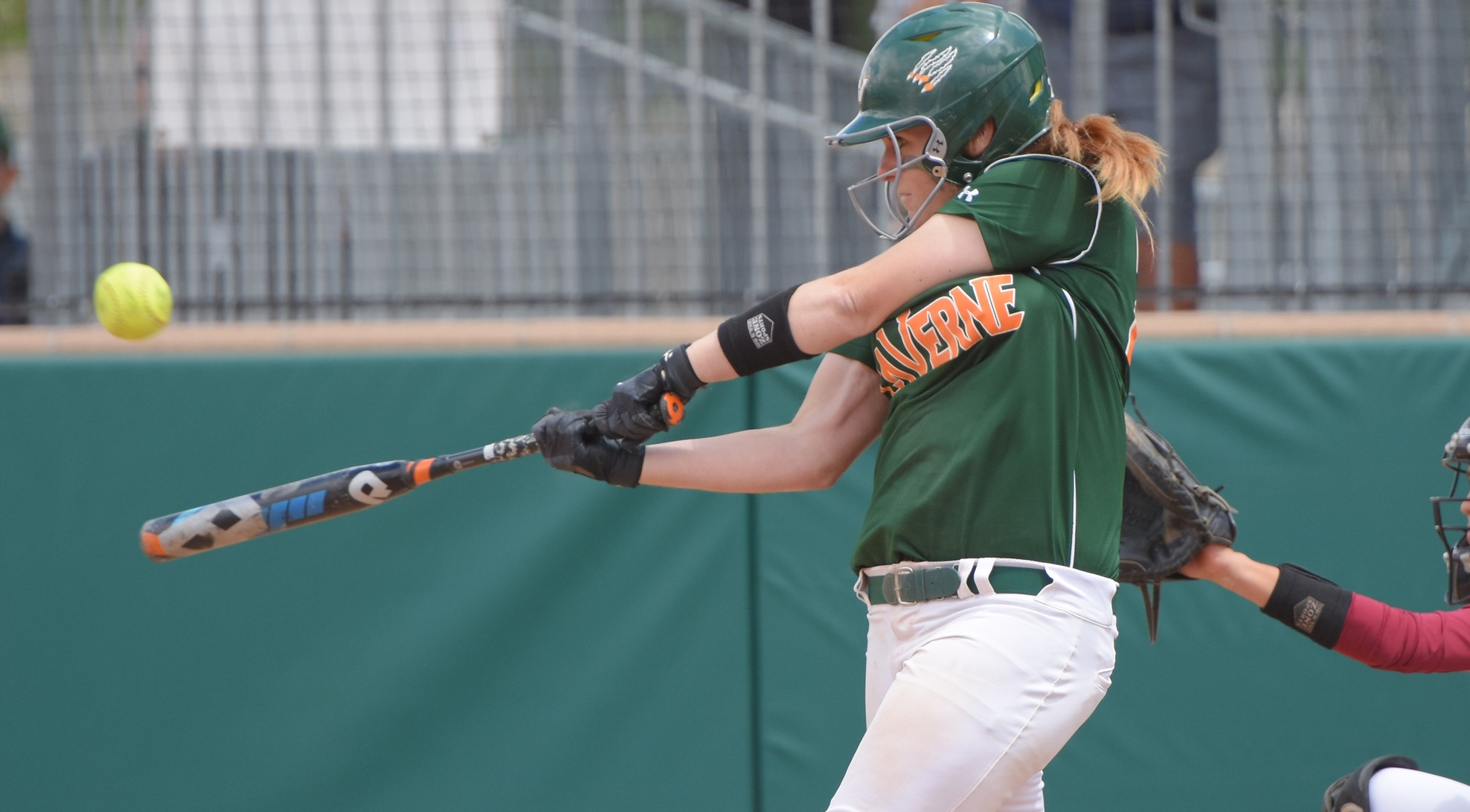 Schiff's 3-run bomb carries Softball into SCIAC Postseason title game