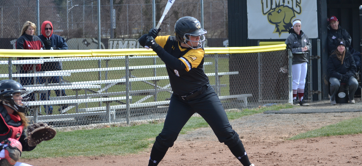 Saturday Sweep Pushes Softball's Win Streak to Seven