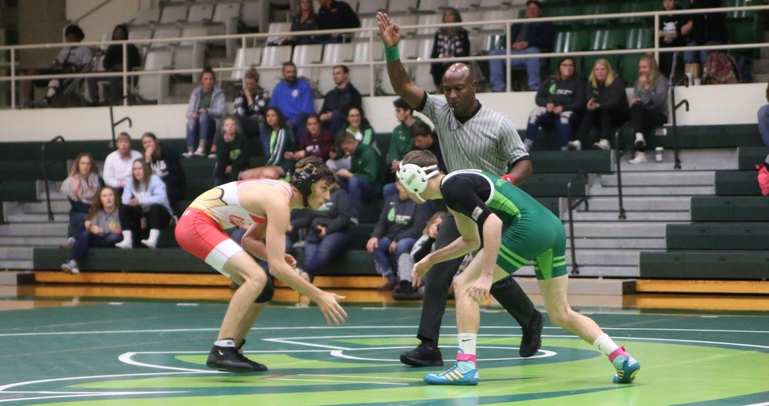 Wresting Closes Out the 2019-2020 season at the DIII Regional Central Championships