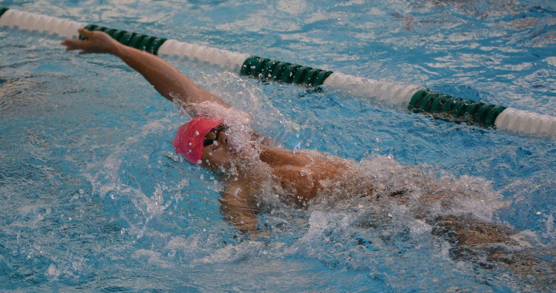 Men's Swimming Opens New Year at Manchester Saturday