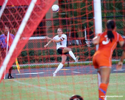 Senior Courtney Peffley crucial in 4-0 win on Tampa