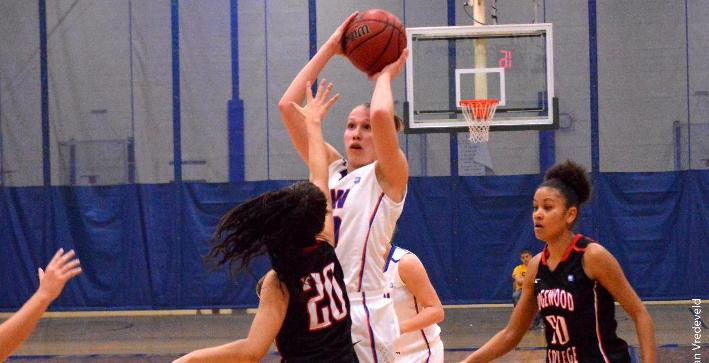 Women's Basketball routs Edgewood for home NACC victory