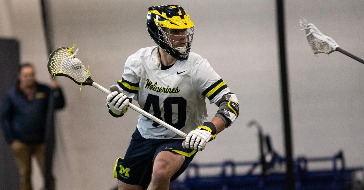 Phillips scores 8, Wolverines top Point 26-5
