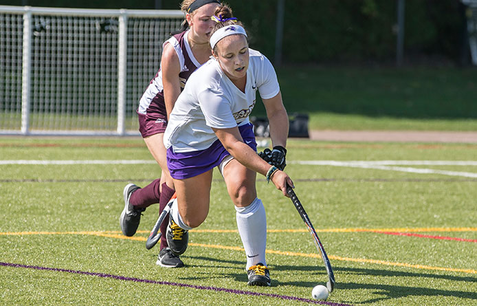 Field Hockey Drops Conference Battle to First-Place Stonehill