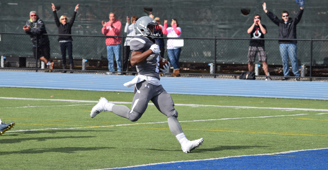 Redmond Reaches 1,000 Yards Rushing as Hounds top F&M, 34-19, on Homecoming