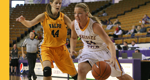 Henderson, Goolsby lead Tech to come-from-behind victory over Valpo